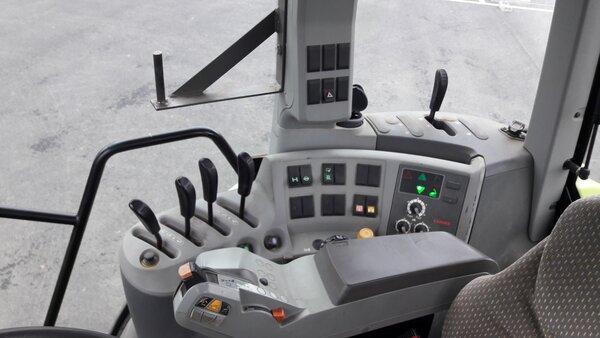 Tracteur Claas ARION 520