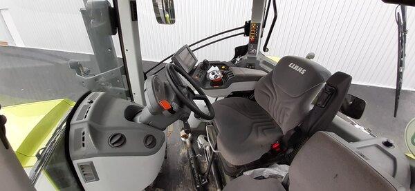 Tracteur Claas AXION 830